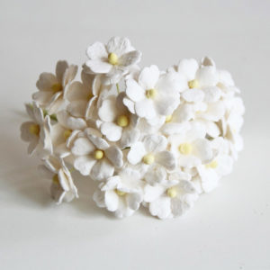 Цветы вишни средние белые, 10 шт.