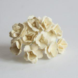 Цветы вишни средние молочные, 10 шт.