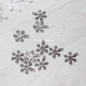 Металлическая подвеска Снежинка 1