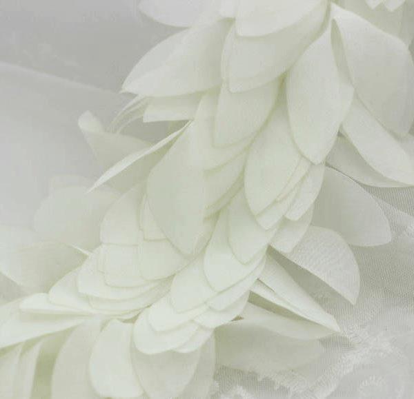 Шифоновые лепестки белые, 10 см