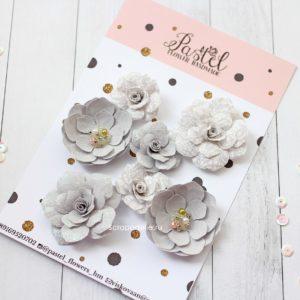 Цветы ручной работы из ткани серые