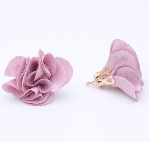 Тканевый цветок с подвеской фиалковый