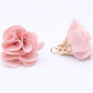 Тканевый цветок с подвеской розово-персиковый