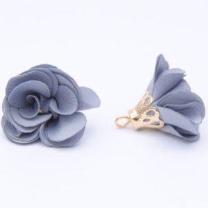 Тканевый цветок с подвеской серый