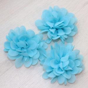 Большой голубой шифоновый цветок